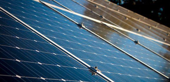 Où peut-on installer un panneau solaire ailleurs que sur un toit ?
